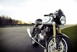 Norton Commando 961 - Now that's a cafe racer