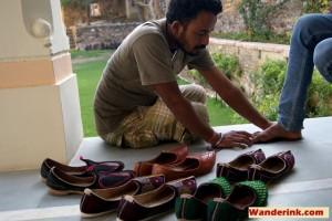 Manoharlal custom fits traditional jhootis